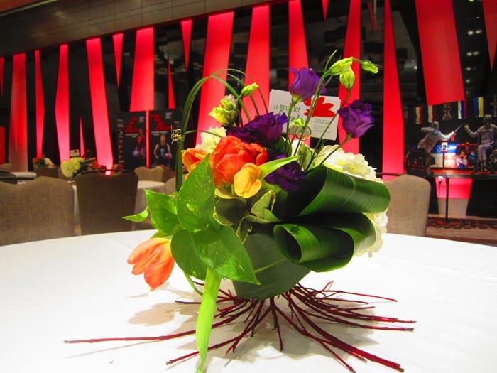 Arrangement floral de centre table pour événement mariage