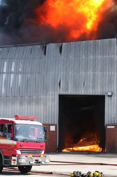 alarme incendie batiment industriel